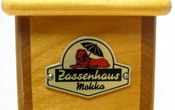 小さなザッセンハウス コーヒーミルを入手。 箱型のかわいいミルです